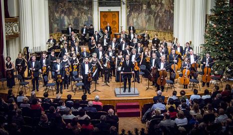 en concert. Abans de la pandèmia, la vida de Bayona eren concerts plens, com aquest de Cap d'Any a Cluj (Romania).