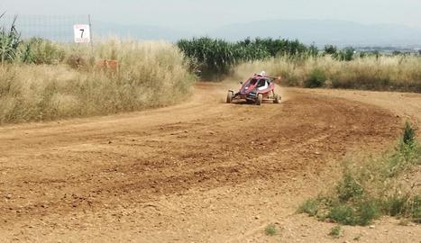 Un cotxe de la modalitat speed-car va ser el que va estrenar ahir la reobertura del circuit de Mollerussa.