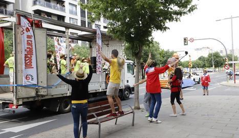 Desfile de la Federació de Colles de l'Aplec del Caragol