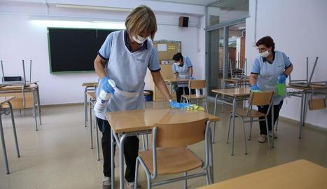 Neteja dels centres per si poden obrir l'1 de juny - Els centres educatius s'hauran de netejar a fons davant la possibilitat de reobrir-los el dilluns 1 de juny, tot i que ja van ser desinfectats abans de l'inici de la preinscripció. A més, ...