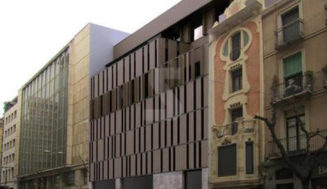 Imatge virtual del futur edifici a la façana que dóna a Blondel, al costat de la casa Morera o La Lira.