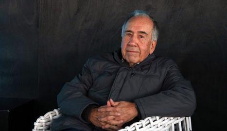 Joan Margarit, durant la roda de premsa posterior a l'anunci del Premi Cervantes de l'any passat.