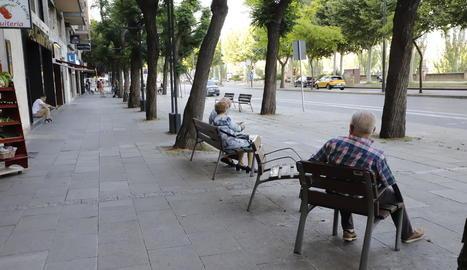 Més lleidatans, ahir a la tarda durant la franja horària en la qual poden sortir al carrer.