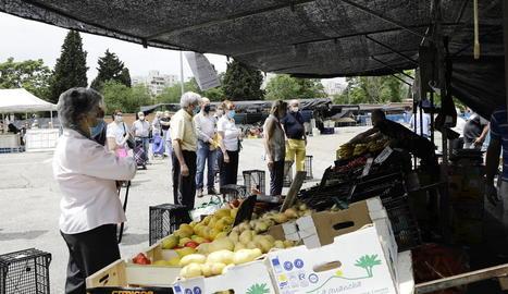 Imatge d'un mercat de Madrid, ahir, el segon dia de fase 1.