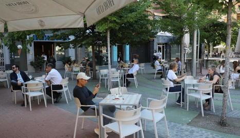 Els negocis hostalers només poden obrir la terrassa i tan sols a un 50% de la seua capacitat.