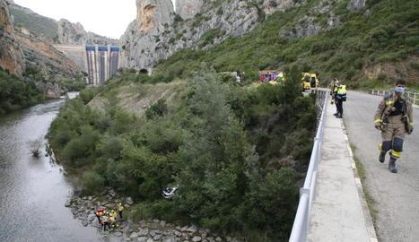 Els ferits van ser evacuats pel riu.
