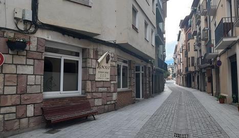 Imatge del restaurant del carrer Capdevila de la Seu on es va registrar el robatori a finals de març.
