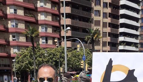 Els manifestants van tallar durant un quart d'hora el carrer Balmes ahir al migdia.