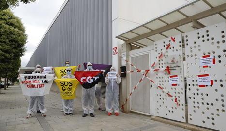 Imatge de l'acte de protesta de CGT ahir a Lleida ciutat.