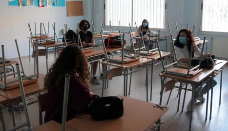 Pocs alumnes en el retorn a les aules als instituts de Lleida