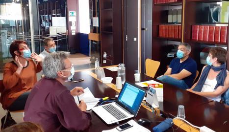 La reunió dels impulsors amb l'ajuntament de Guissona.