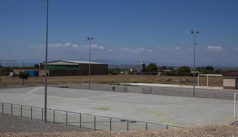 La piscina es construirà a la nova zona d'equipaments.