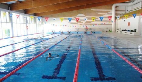 La piscina coberta ja atén usuaris amb cita prèvia.