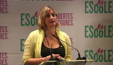 La consellera de Salut, Alba Vergés, en un moment de la roda de premsa d'aquest dilluns.