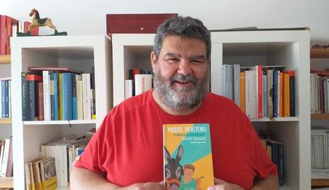 L'escriptor mallorquí Sebastià Bennassar va presentar telemàticament el seu llibre sobre Miquel Montoro.