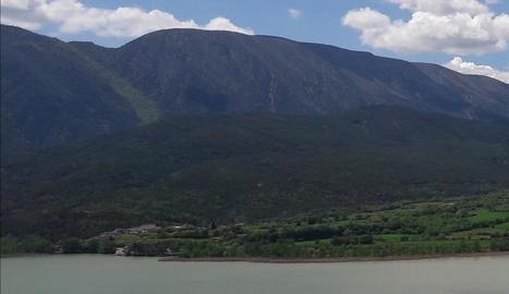 Vista panoràmica amb Cellers, al Pallars Jussà, al fons.