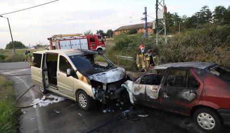 Cinc ferits en una col·lisió entre dos vehicles a la Bordeta