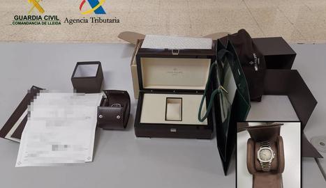 El rellotge i l'estoig Patek Philippe, valorats en prop de 30.000 euros.
