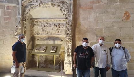 Un moment de la visita d'Agipcat al monument.