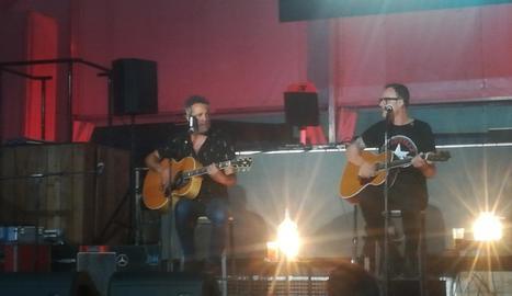 Carlos Tarque i Ricardo Ruipérez, l''ànima' de MClan, divendres a la nit a la discoteca Biloba.