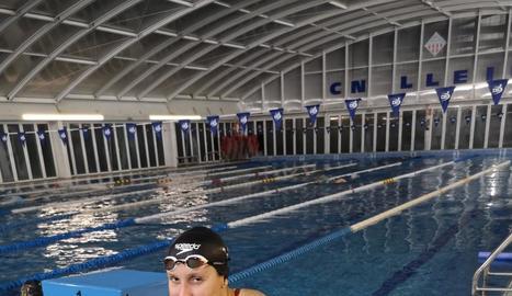 Paula Juste, en foto d'arxiu, a la piscina coberta del seu club, el CN Lleida.