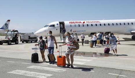 Imatge de divendres dels primers passatgers arribats de Palma.