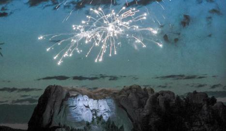 Celebració del Dia de la Independència a la muntanya Rushmore.