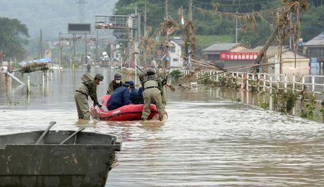 Les inundacions fuetegen el Japó i deixen 34 morts i 14 desapareguts