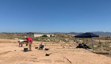 Excavacions arqueològiques ahir al jaciment andalusí del Pla d'Almatà de Balaguer.
