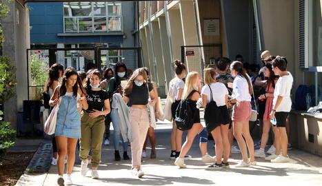 Els alumnes del Pallars, contents de no desplaçar-se a Lleida o la Seu d'Urgell per fer la selectivitat