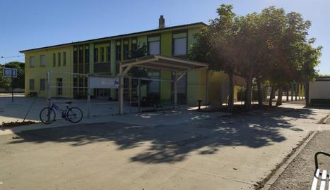 L'escola del Palau a l'avinguda Sant Roc, que s'ampliarà.