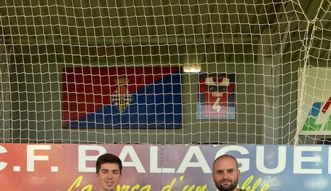 Pere Galderán, al costat del president del club, Jaume Estrada.