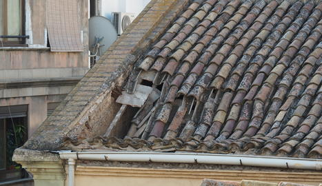S'esfondra una teulada en una església de Lleida