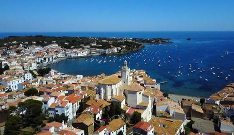 Panoràmica de Cadaqués, ciutat emblemàtica de la Costa Brava.