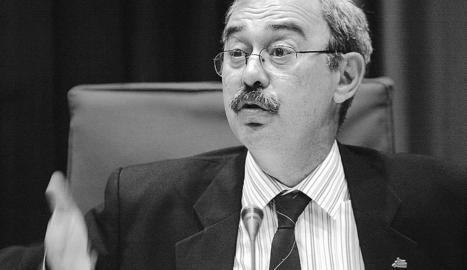 Pep Mòdol, en una compareixença al Parlament el 2006.
