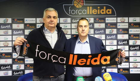 Albert Aliaga, nou president del Força Lleida, amb el tècnic Gustavo Aranzana.