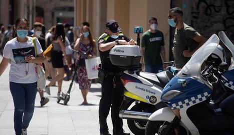 L'Hospitalet posarà més vigilància als carrers per fer complir l'obligatorietat d'utilitzar mascareta.