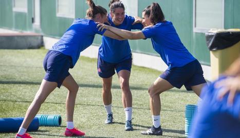 Jugadores del Barcelona, durant la sessió d'ahir.