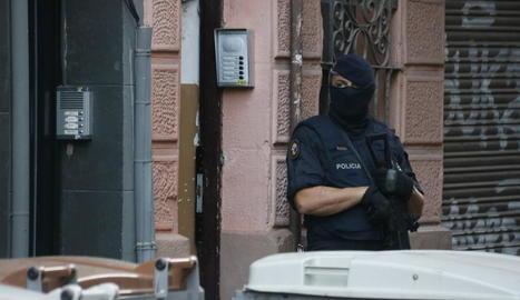Detingudes dues persones a Barcelona que formarien part d'una cèl·lula terrorista que pretenia atemptar a Barcelona