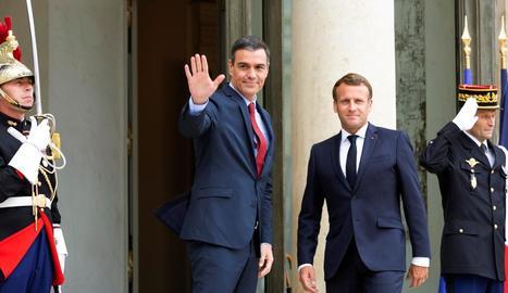 Pedro Sánchez i Emmanuel Macron, ahir a París.