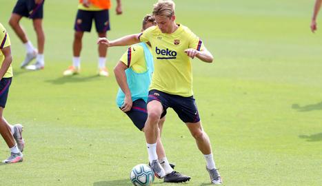 Frenkie De Jong ahir durant l'entrenament de la plantilla barcelonista.