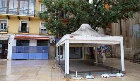 Una terrassa tancada a Lleida.