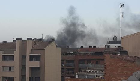 La fumarada va ser visible des de moltes zones de Lleida.
