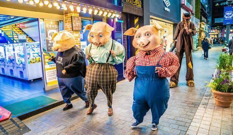 Campi Qui Pugui mostrarà a Manresa el xou de carrer 'Pigs'.