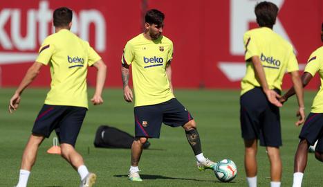 Leo Messi, durant la sessió d'entrenament d'ahir.