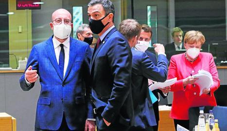 El president del Consell Europeu, Charles Michel, i el president d'Espanya, Pedro Sánchez, ahir.