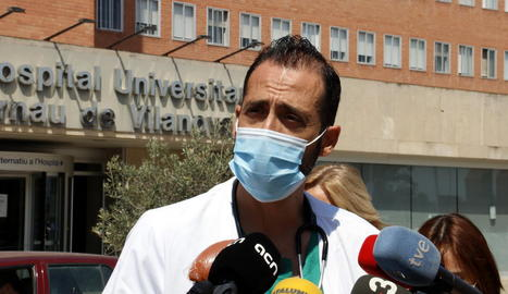 El 45% dels malalts de covid-19 ingressats a Lleida s'han contagiat en grups de familiars o amics