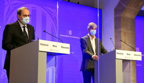 El president, Quim Torra, i el secretari de Salut Pública, Josep Maria Argimon, en roda de premsa.