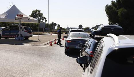 Un control dels Mossos aquest mes de juliol a les carreteres de Lleida.