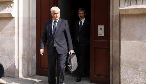Germà Gordó amb el seu advocat, al sortir de declarar al Superior de Justícia el setembre del 2017.